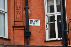 mount-street-painted-sign